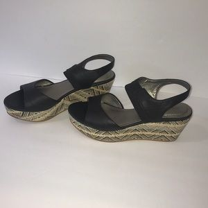 Me Too wedges size 8